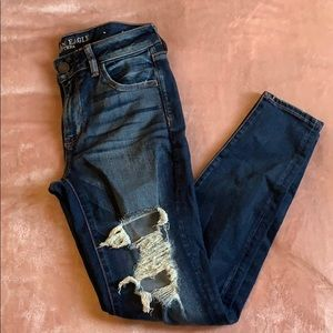 AEO - distressed skinny ankle jean